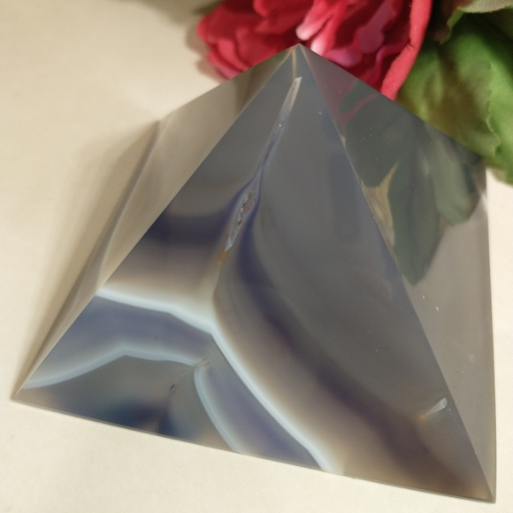 Purple/White banded Agate Pyramid paperweight